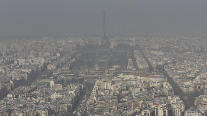 City of Lights dimmed: Paris bans 50% traffic due to heavy smog