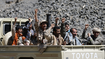 Saudi Arabia moves heavy arms to border with chaos-stricken Yemen