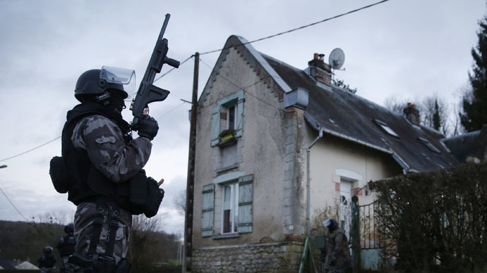 Member of the French GIPN intervention police forces (Reuters/Christian Hartmann)