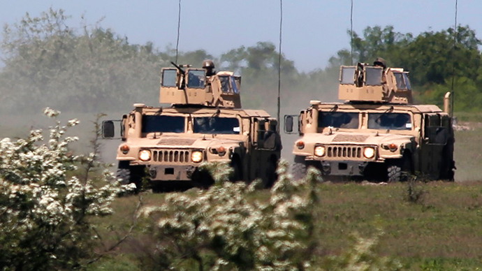 10 American Humvees Welcomed In Ukraine By Poroshenko