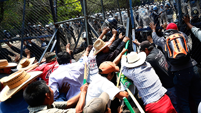 Mexican farmworkers strike as millions of dollars worth of crops rot