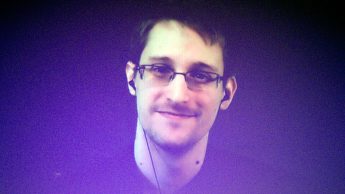Snowden talks surveillance, privacy with Swedish lawyers in Moscow