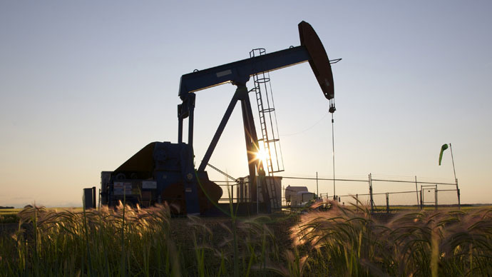US oil production growth at record 100-yr high in 2014 - EIA