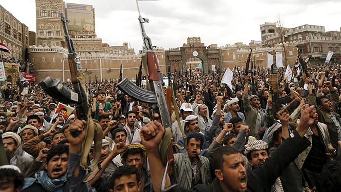 Saudi Arabia prepares for possible ground offensive in Yemen, Iran calls for 'dialogue'