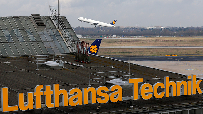 Germanwings co-pilot told Lufthansa in 2009 about 'severe depression'
