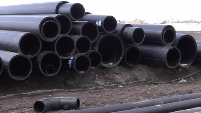 Russian military begin extensive water pipeline project in Crimea (VIDEO)