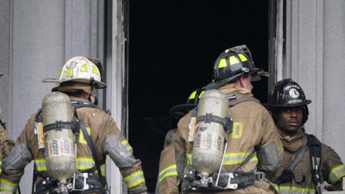 3-alarm fire destroys 2 firetrucks, clouds skies over Washington, DC (PHOTO, VIDEO)