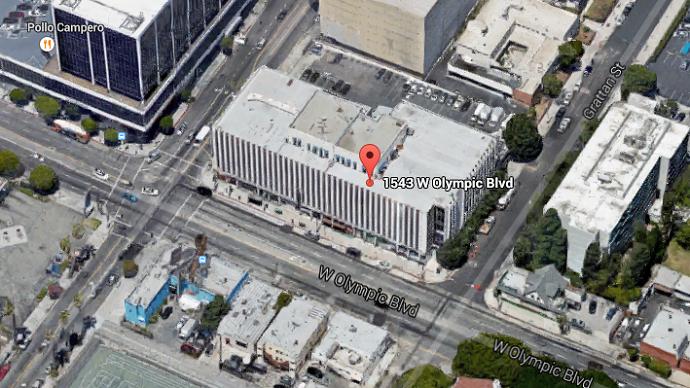 Major emergency in LA as over 100 firefighters battle huge blaze