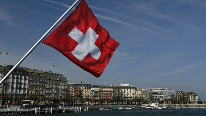 Switzerland first to sell 10-year bonds with negative yield