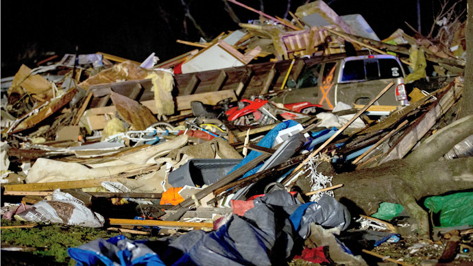 'Like Wizard of Oz!' Tornadoes sweep through Illinois, leaving 1 dead, many homeless