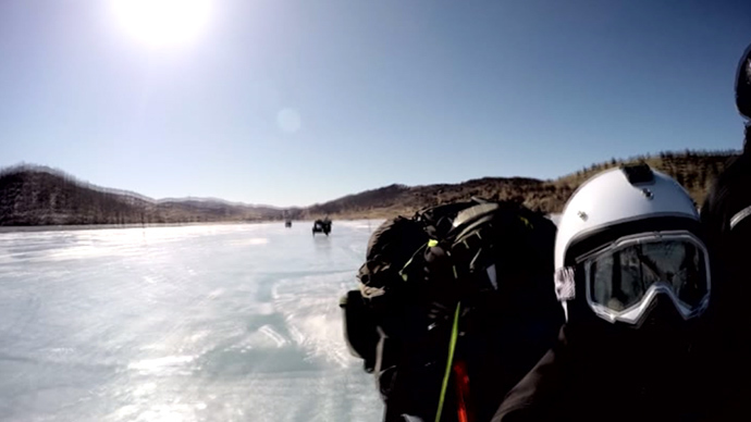 Biking across Baikal: UK adventurer & team ride Soviet bikes on Siberian ice (VIDEO)