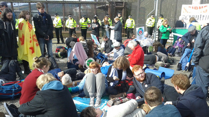 ​Dozens of arrests as anti-nuclear protesters demand end to UK's Trident sub program