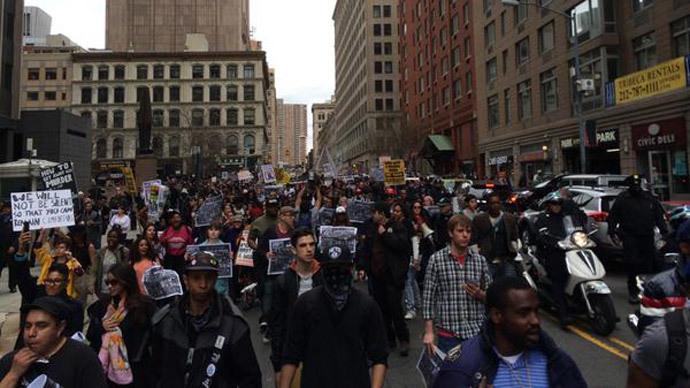 #ShutDownA14: Protesters against police brutality barricade Brooklyn Bridge