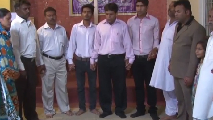 ​'Christ be with UKIP': Christians in Pakistan pray for a Farage election victory (VIDEO)