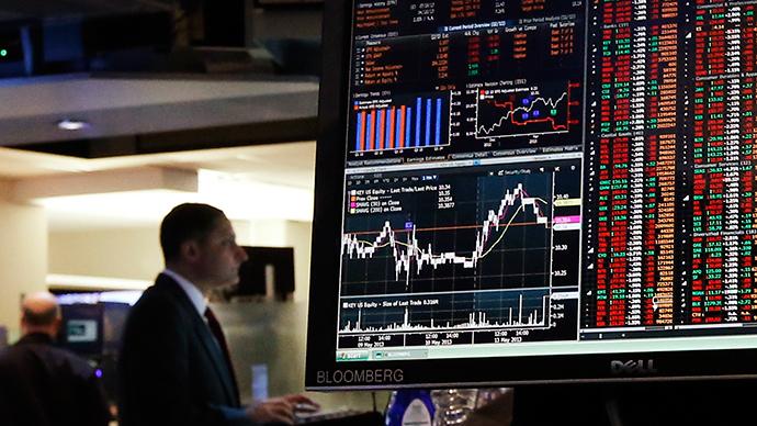 UK postpones £3bn debt auction as Bloomberg outage keeps global investors in the dark
