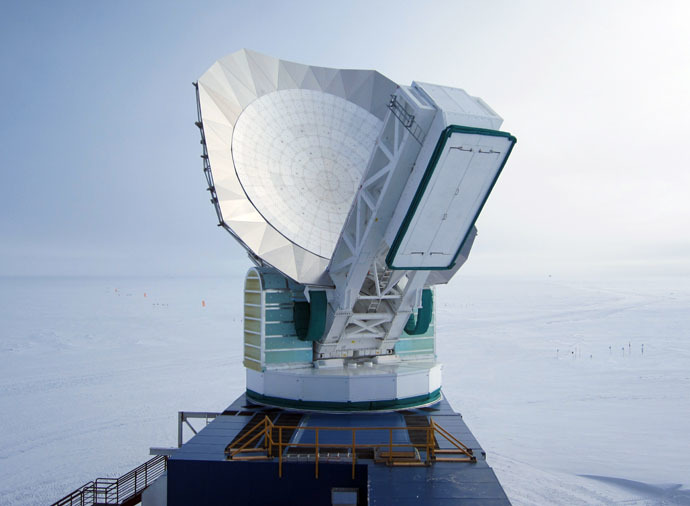 The South Pole Telescope. (Photo by John Mallon III, National Science Foundation/nsf.gov)