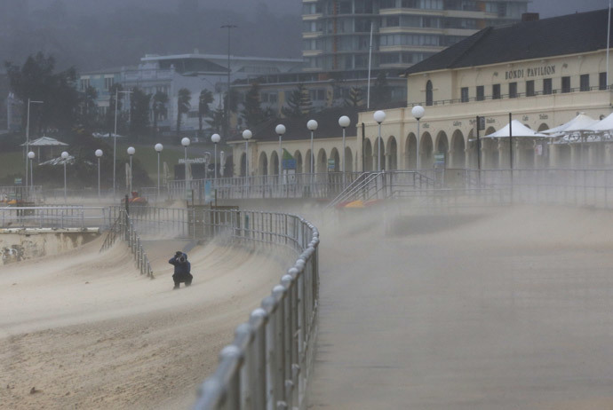 Iconic Bondi Beach went from 'tourist Mecca' to 'Sahara sandstorm'. Reuters / Jason Reed