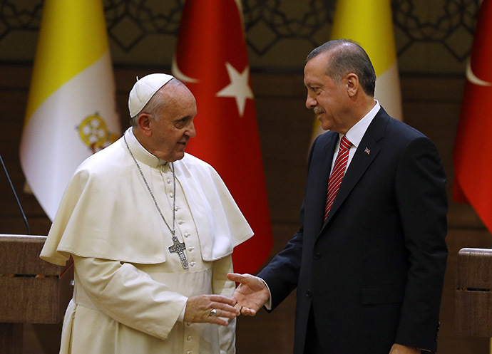 Pope Francis and Turkey's President Tayyip Erdogan. (Reuters/Umit Bektas)