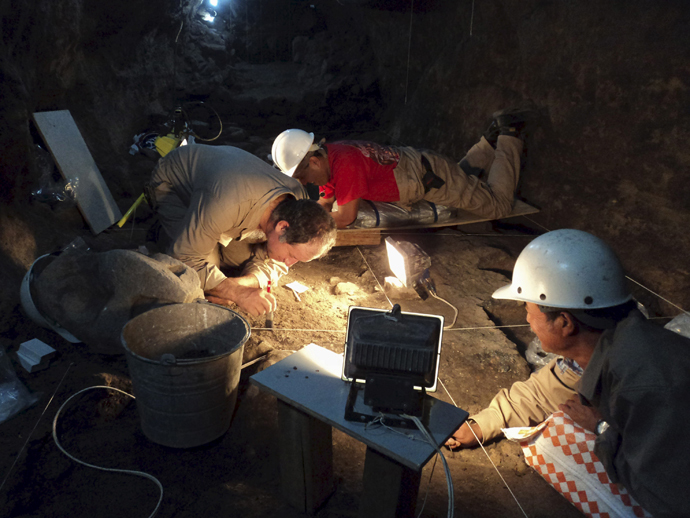 National Institute of Anthropology and History (INAH) archaeologists work at a tunnel that may lead to a royal tombs discovered at the ancient city of Teotihuacan (Reuters / INAH / Files / Handout via Reuters)