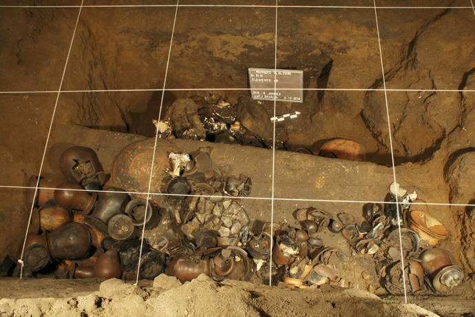 Vessels are seen in a tunnel that may lead to a royal tombs discovered at the ancient city of Teotihuacan (Reuters / INAH / Handout via Reuters)