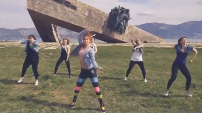 Russian twerking redux: Women jailed for 'inappropriate' dancing next to WWII memorial (VIDEO)