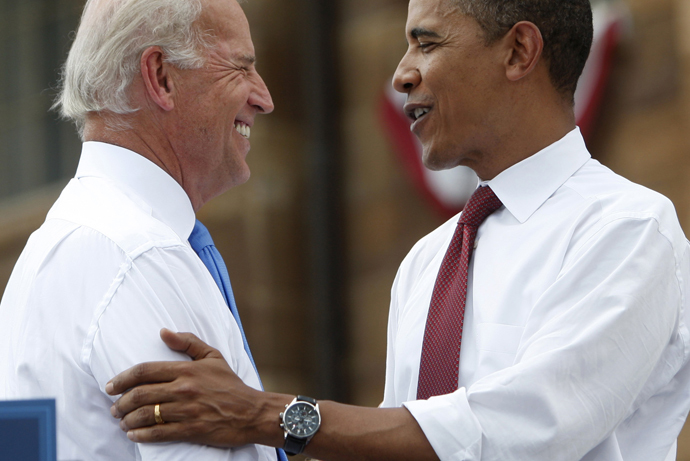 Barack Obama (R) and Joe Biden (Reuters / Jim Young)