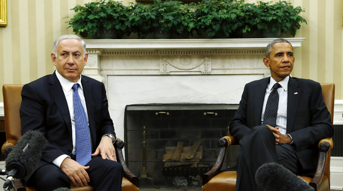 U.S. President Barack Obama (R) meets with Israel's Prime Minister Benjamin Netanyahu at the White House in Washington October 1, 2014. (Reuters / Kevin Lamarque)