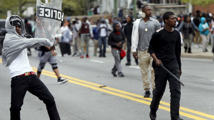 Baltimore riot: Violent clashes, tear gas, rubber bullets after Freddie Gray funeral