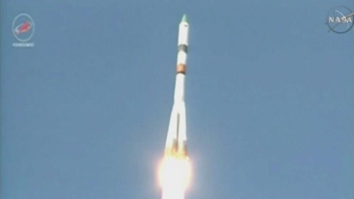 Russian Progress spacecraft flies too high, docking delayed