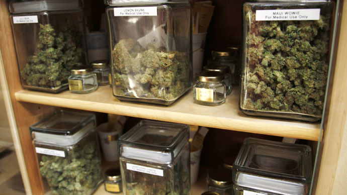 A pot for weed money: Lawmakers try to legalize marijuana banking
