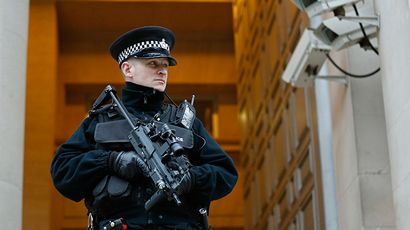 Over 3,000 UK policemen investigated for alleged assault, 98% remain on duty – report