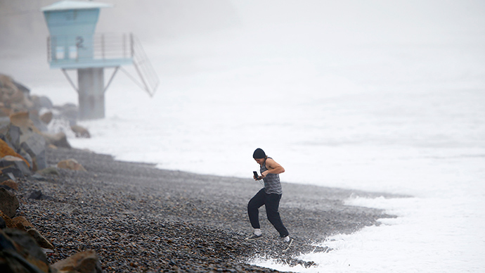 Colossal waves in California blamed on New Zealand storm