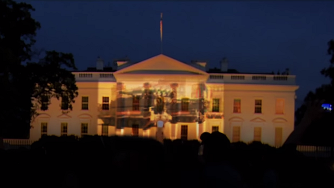 Russian tanks on White House? Students protest Obama V-Day snub using fake 'projection'