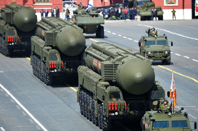 RS-24 Yars/SS-27 Mod 2 solid-propellant intercontinental ballistic missiles at the military parade to mark the 70th anniversary of Victory in the 1941-1945 Great Patriotic War. (RIA Novosti/Vladimir Pesnya)