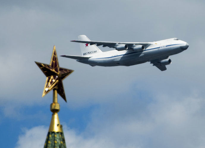 An Antonov An-124-100 strategic airlifter flies by during rehearsal for parade marking the 70th anniversary of the Soviet Union's victory in the Great Patriotic War of 1941-1945. (RIA Novosti/Alexander Vilf)