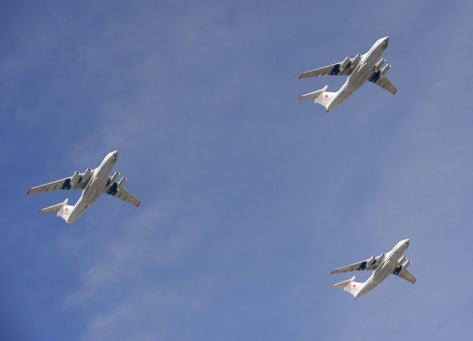 Ilyushin Il-76 Candid strategic airlifters at the final rehearsal of the military parade to mark the 70th anniversary of Victory in the 1941-1945 Great Patriotic War. (RIA Novosti/Vladimir Vyatkin)