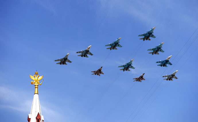 Sukhoi Su-34 Fullback tactical bombers, Su-27 Flanker fighters and Mikoyan-Gurevich MiG-29 Fulcrum fighters at the military parade to mark the 70th anniversary of Victory in the 1941-1945 Great Patriotic War. (RIA Novosti/Konstantin Chalabov)