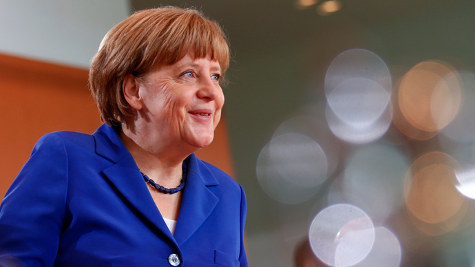 Merkel defends her staff amid NSA spying scandal