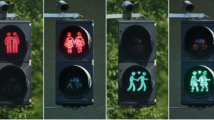 Vienna installs gay-themed traffic lights ahead of Eurovision 2015