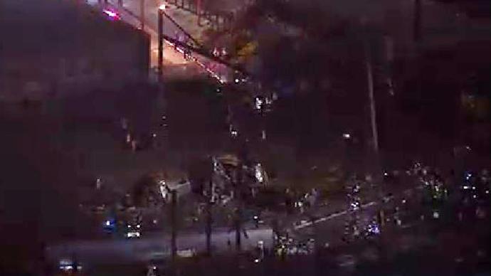 7 dead, 50+ injured after Amtrak train derails in Philadelphia