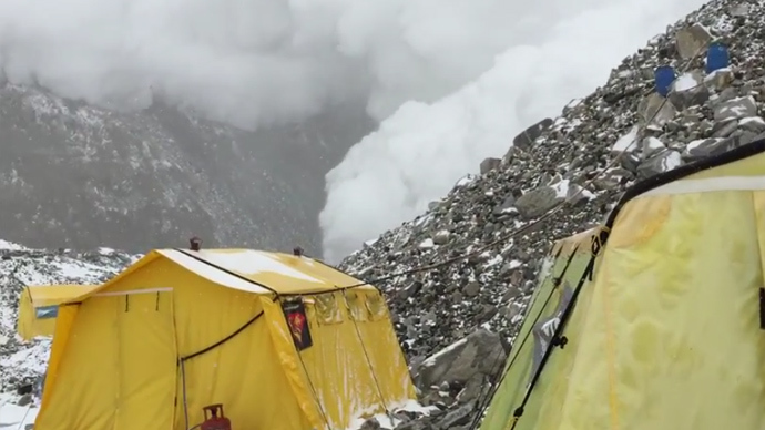 New footage of avalanche destroying Everest Base Camp (VIDEO)