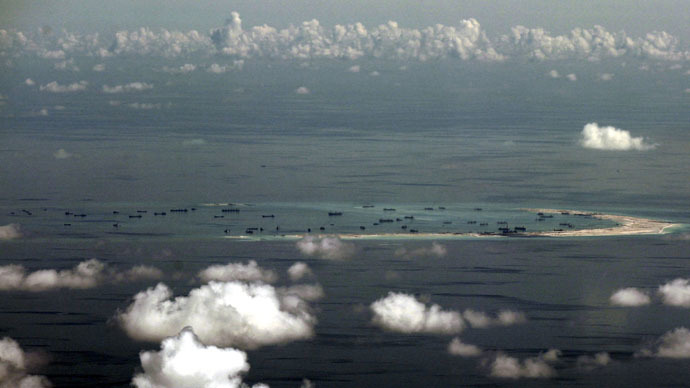 US mulls sending military ships, aircraft near South China Sea disputed islands – report