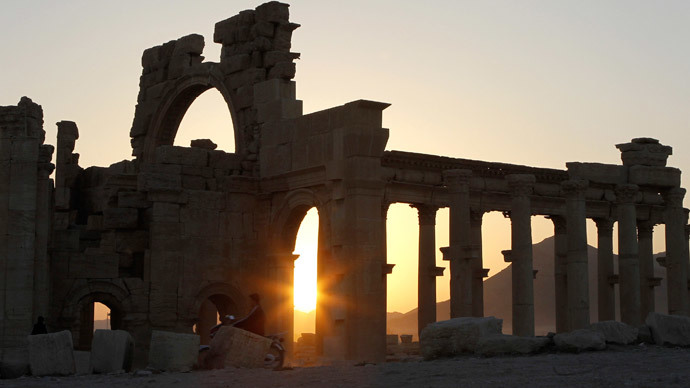 Ancient Palmyra 'under threat', ISIS militants approach UNESCO site