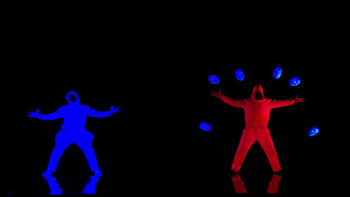 ​Siberia's got talent: Stunning neon dance show goes viral