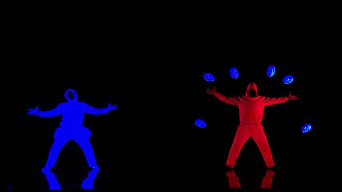 Siberia's got talent: Stunning neon dance show goes viral