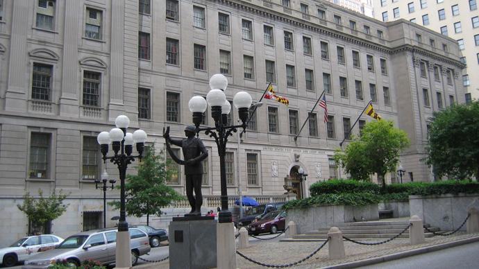 Baltimore prosecutors seek gag order in Freddie Gray murder case