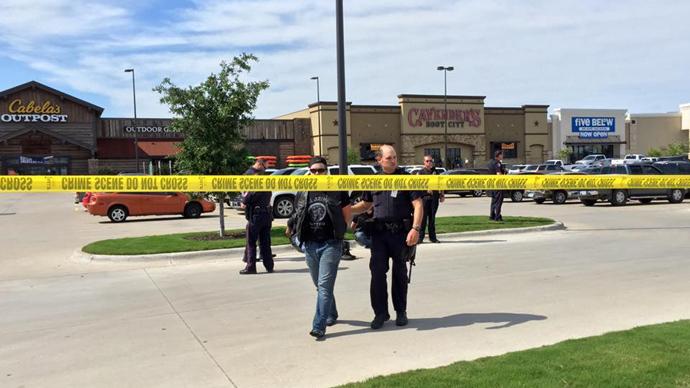 9 killed in rival biker gang shootout in Texas