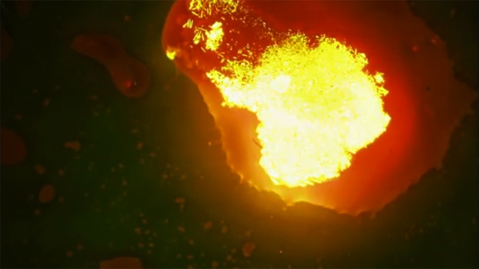 Supercooled liquid shines bright like lava when touched (VIDEO)