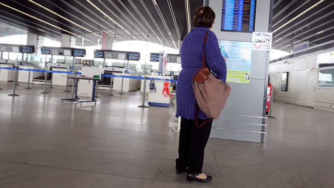 Faux pas: French man lands in custody for delaying girl's flight… with bomb threat