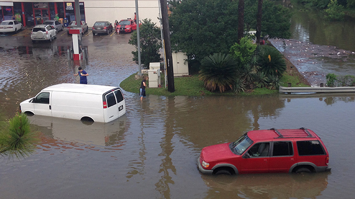 Death toll rises in Texas as floods sweep Houston
